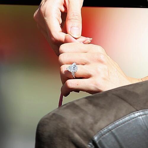 道端ジェシカがジェンソン・バトンから贈られた婚約指輪のお値段www