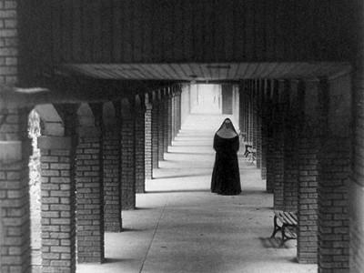 性行為なしで出産した修道女がコメント→メディアブチ切れ
