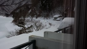 山梨県富士河口湖町のホテルで宿泊客100名以上が孤立 ライフラインがストップ 雪崩発生 救援求める (堀潤) - 個人 - Yahoo!ニュース