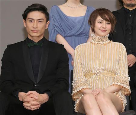 長澤まさみ「年内結婚」報道…バズーカ所持の恋人・伊勢谷友介のDVに周囲は危機感