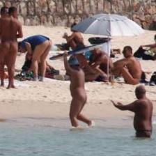 中国ヌーディービーチが男しか集まらず閉鎖 マッパ男の巣窟化で住民悲鳴 | もぐもぐニュース
