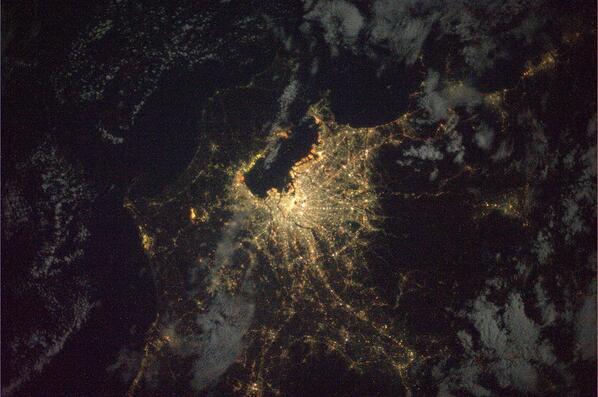 若田光一さんが宇宙からTwitterに投稿した写真がすごい!東京の夜ってこんなに明るかったんだ!