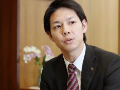 夕張の現実は日本の明日 夕張市長 鈴木直道 :日本経済新聞