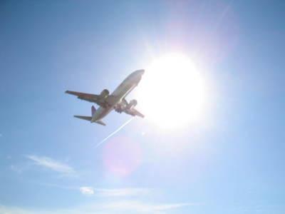 赤ちゃんを飛行機に乗せるコツ教えてください