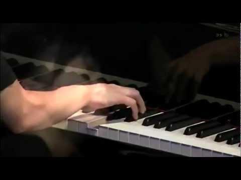 UEHARA Hiromi (上原ひろみ) - Spiral - YouTube