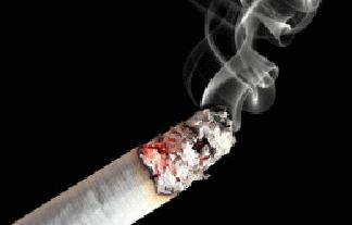 タバコに火をつけたら爆発、男性が死亡