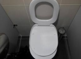 【ソチ五輪】選手村のバスルーム内に閉じ込められたボブスレー米国代表のジョニー・クイン選手、ドアを破壊して脱出