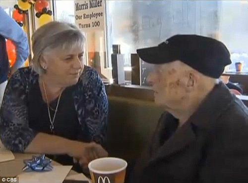 マクドナルドで働く100歳の従業員が話題に! 「体が動く内は辞めるつもりはない」 - ライブドアニュース