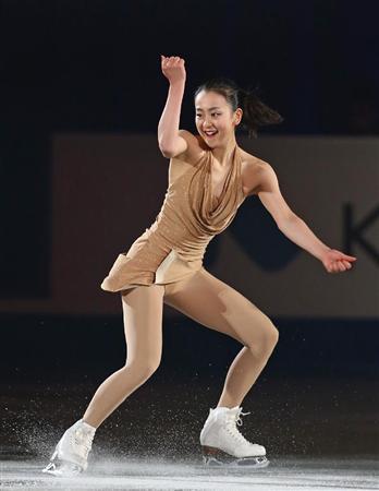 【ソチ五輪】エキシビジョンでコストナー選手の衣装に反響「ノーパンに見える」