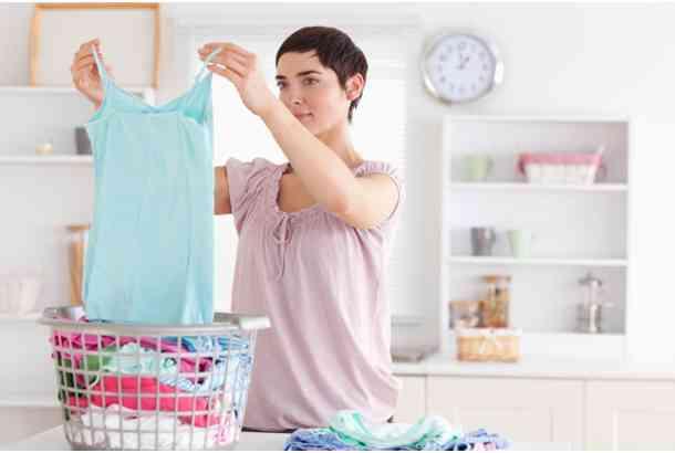 洗濯の時、服は裏返しますか?