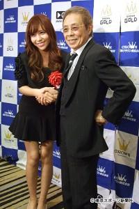 北島三郎、元AKB48河西智美に「紅白」を託し握手