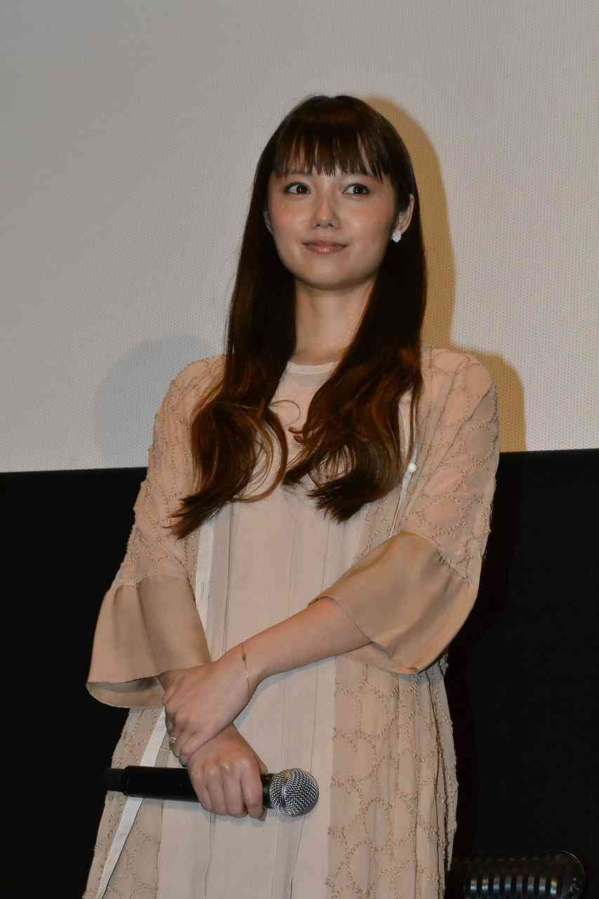 日本アカデミー賞での宮崎あおいの鼻をご覧くださいww