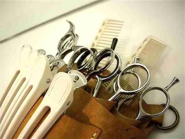 美容師の平均年収267万円、40歳で定年…雇用環境が厳し過ぎる件