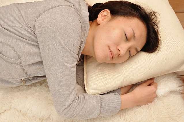 寝る前に絶対してはいけない9つのこと