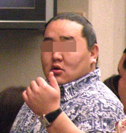 韓国人記者「日本での差別はひどかったでしょう?」 朝青龍「別になかったっス」 記者「隠さなくてもいいですよ」朝「だから、無えって言ってんだろ!このキムチ野郎!!」 : 世にもキチな物語 - キチママ・修羅場・復讐 【2hc面白い話まとめ】
