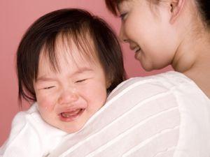親の立場で考えてみよう! 公共の場で子どもがギャン泣きしたら、どう対応するのが正解? | 「マイナビウーマン」