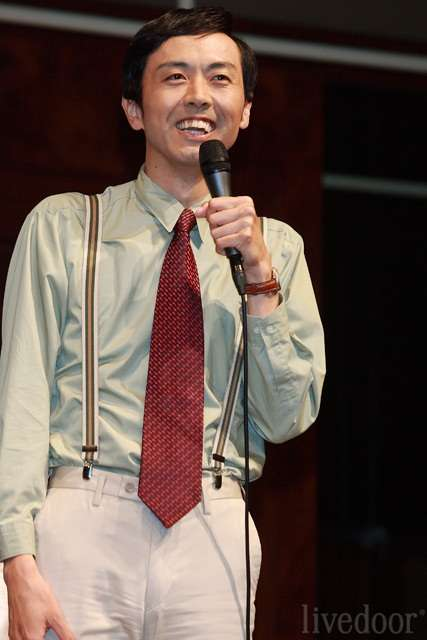 アンガールズ・田中卓志、今度は髪をどピンクに染めて登場www