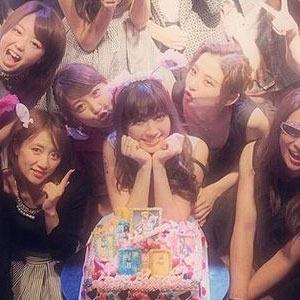 """AKB48はアイドル史上""""風紀最悪""""のグループ!? 男性ストリップ乱痴気報道に「またか」の大合唱"""