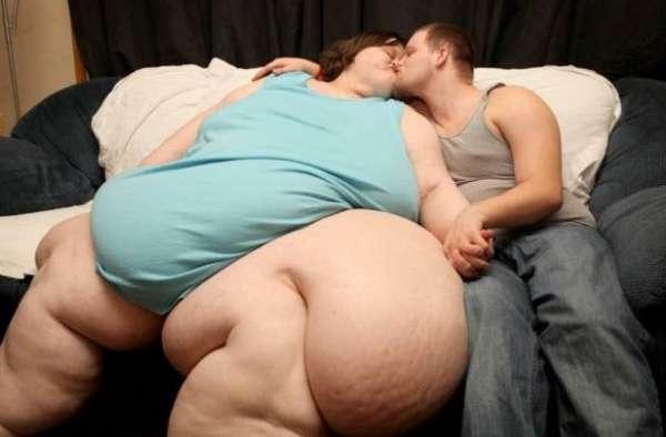 350kg女性が結婚で減量へ。超年下の婚約者は「このままでもイイのに」。 | Techinsight|海外セレブ、国内エンタメのオンリーワンをお届けするニュースサイト