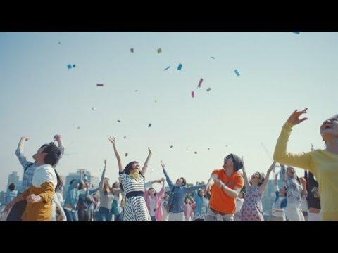 TVCM | au「WALLET/グッバイ、おサイフ篇」 60秒 - YouTube