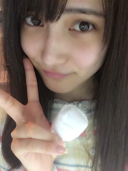 AKB48ノコギリ事件で退院した入山杏奈がケガをしたはずの小指ではなく親指に包帯をする怪奇現象が起きる…