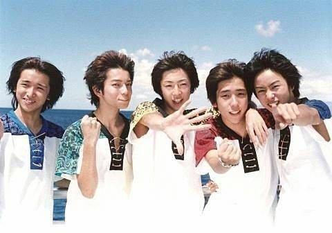 嵐、デビューの地ハワイで15周年記念3万人ライブを開催!