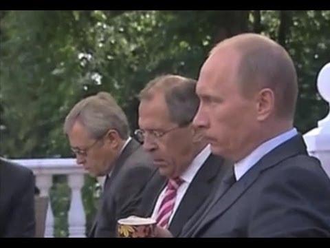 [おそロシア] プーチン大統領 オバマも引きつる無言の朝食会 - YouTube