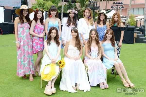 道端ジェシカ、吉川ひなの、蛯原友里ら11人がハワイで美の競演 華やかリーゾトスタイルを披露 - モデルプレス