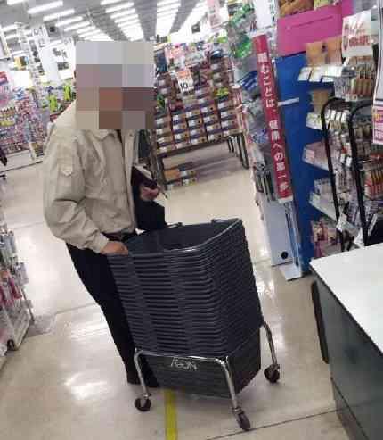 珍妙な行動の高齢者を盗撮して晒した女子高生が炎上!警察沙汰に?