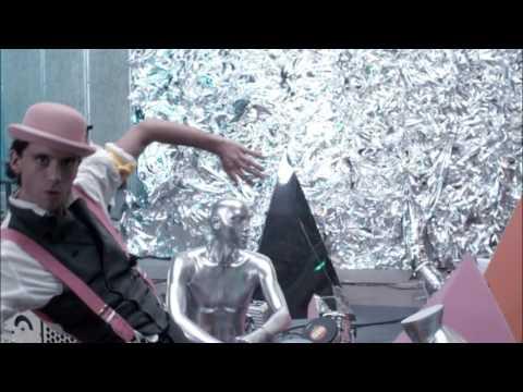 MIKA - Blame It On The Girls - YouTube