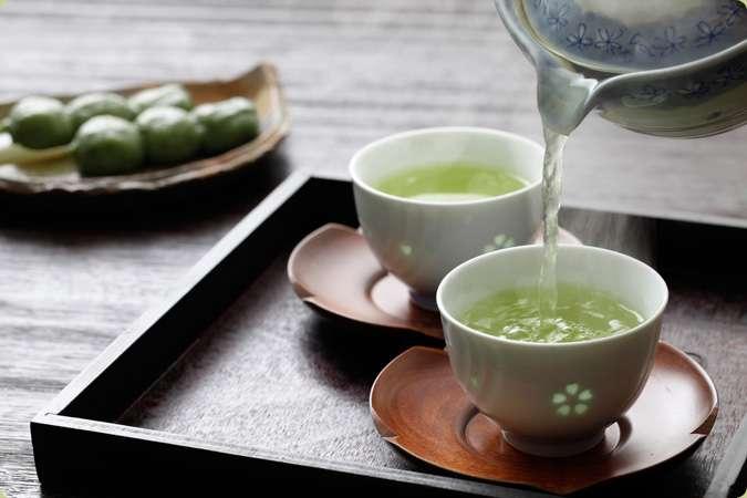 自宅のお茶について。沸かす?ペットボトル買ってる? 自宅のお茶について。沸かす?ペットボトル買っ