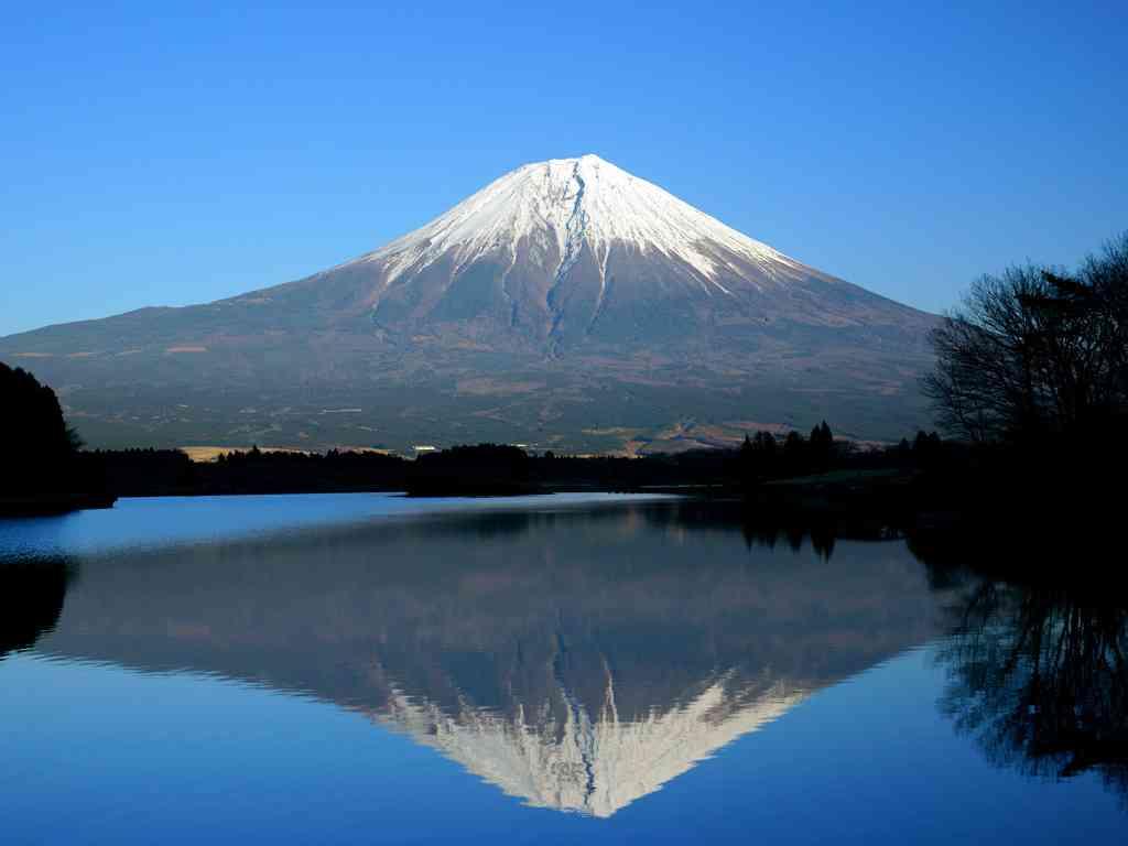富士山「入山料」2014年夏から導入へ