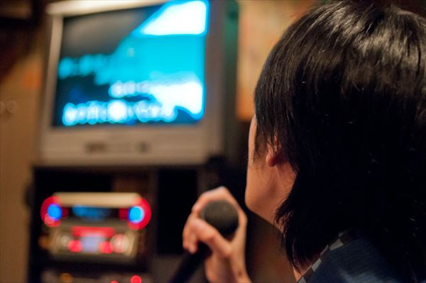 カラオケ映像の「あるある」に共感の声多数 - AOLニュース