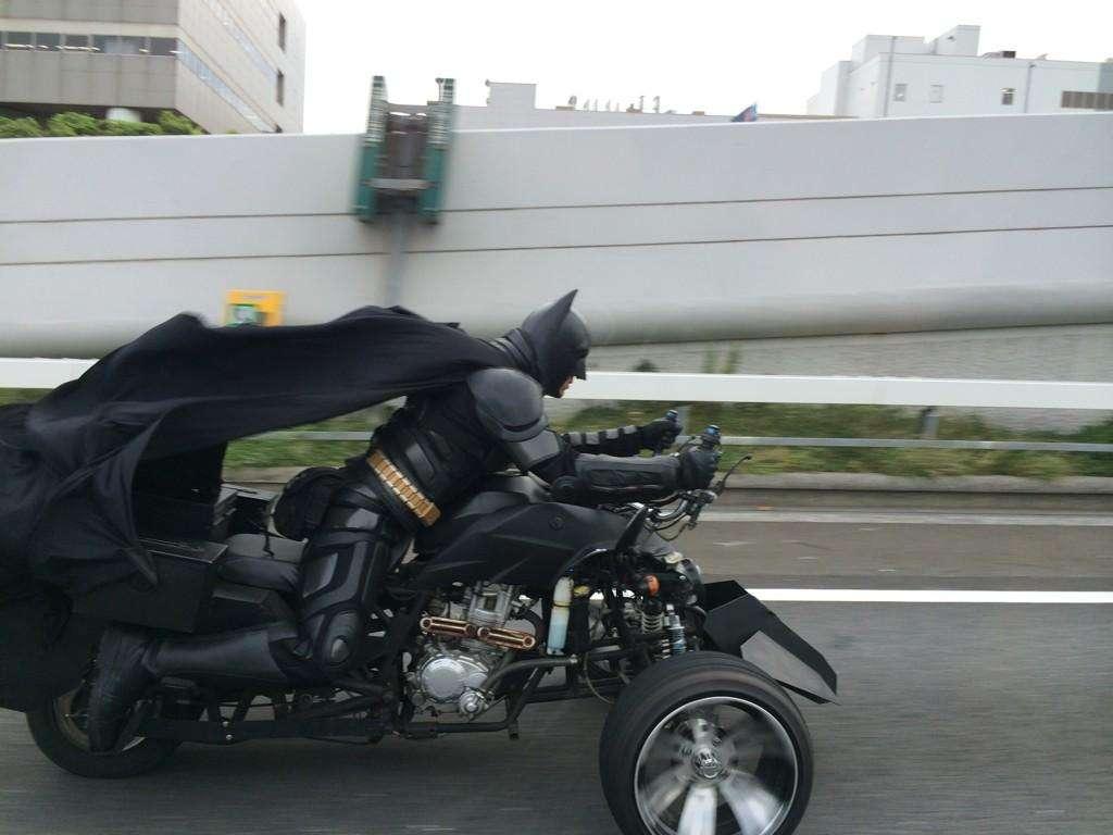 千葉のバットマン「チバットマン」がかっこよすぎと話題にw