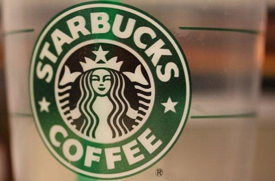CNN.co.jp : スタバで他人にコーヒーをおごる 2日間で750人