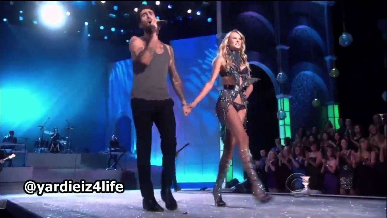 Maroon 5 - Moves Like Jagger, Victoria's Secret Fashion Show Live Performance.mp4 - YouTube