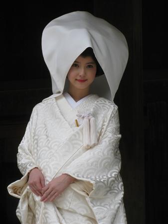 佐々木希、白無垢姿のオフショットをブログで公開
