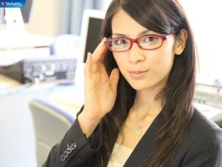 秋元才加、すっぴんメガネ姿を披露!清らかな美しさ!