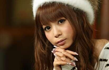 中川翔子ブログに「なんかもう疲れちゃったな」と意味深なメッセージ - ライブドアニュース