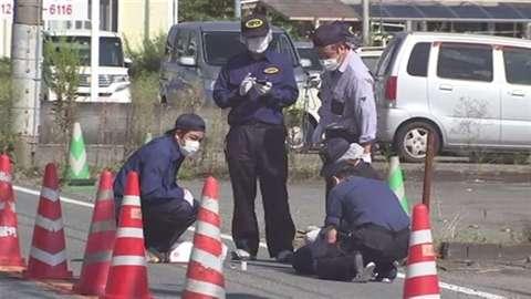 「スクーターの2人組が車に発砲、運転手は無事」 News i - TBSの動画ニュースサイト