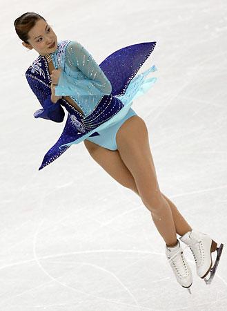 荒川静香、妊娠7カ月「胎教でスケート」…って大丈夫なの!?