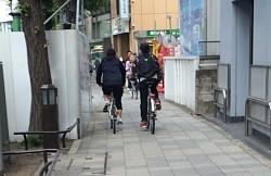 事故現場を歩く:広がらない自転車の車道走行 歩道で死傷事故相次ぐ - 毎日新聞