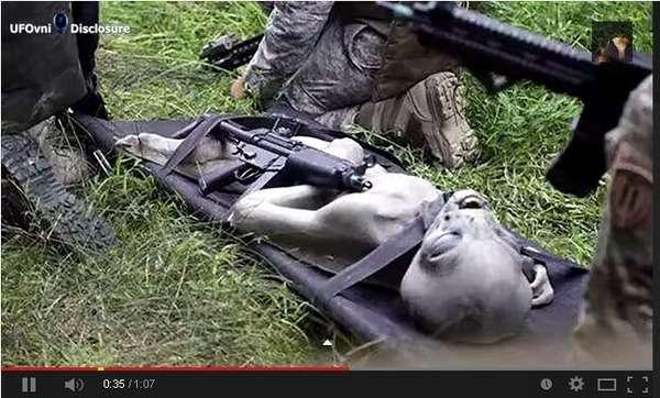 某国軍が墜落したUFOから謎の生命体の捕獲に成功