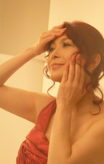 叶姉妹の妹・叶美香、すっぴんを公開!極上の美貌が話題に