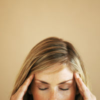 暑くなると頭痛が引き起こされるメカニズムと対処法 - NAVER まとめ