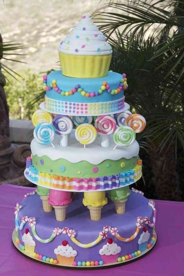食べたいかどうかは別として凄いケーキの画像