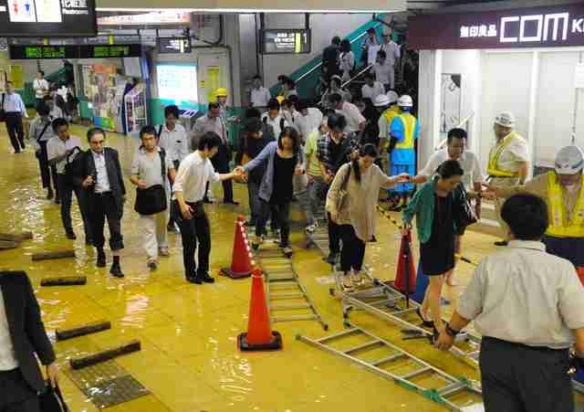 東京都内に大雨・洪水警報 台東区で100ミリ観測:朝日新聞デジタル