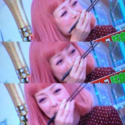 松嶋尚美(42歳)の髪がピンク色に!「可愛い」「ハマーン様だ」の声