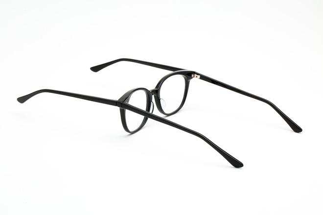 ずっとキスしていたいカップルへ贈る「キス眼鏡」が登場www