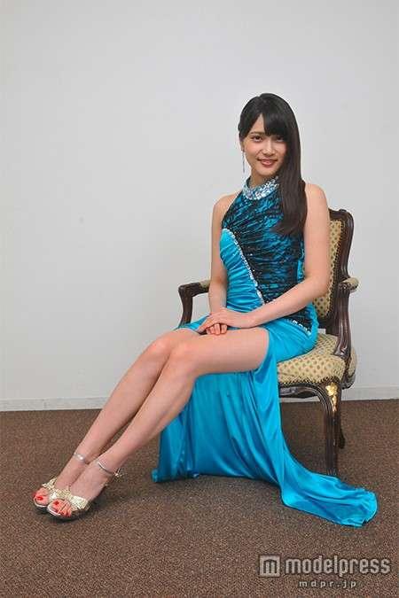 筧美和子の胸元に釘付け!『黒服物語』にキャバ嬢役で出演